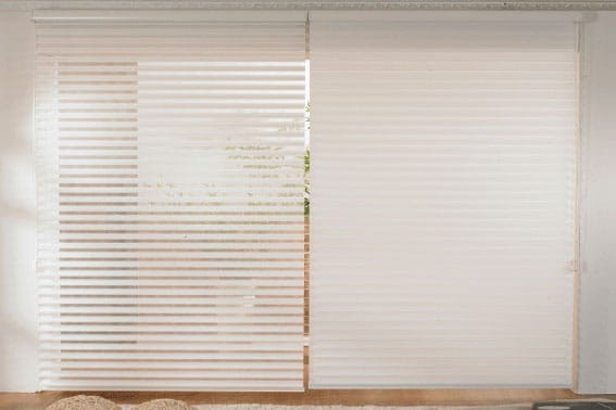 vertical illusion blinds