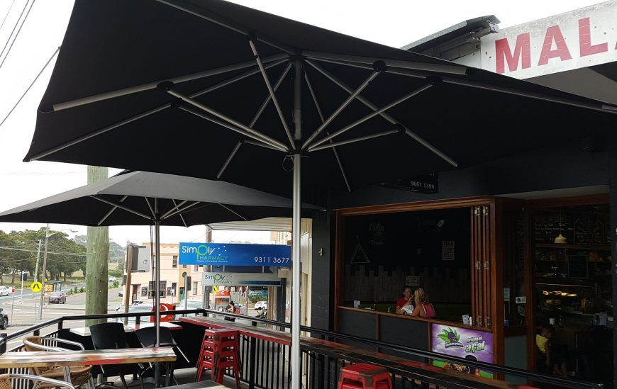 4 Key Benefits of Commercial Umbrellas