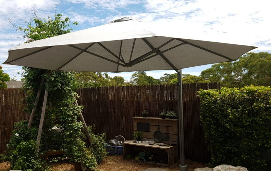 Offset Patio Umbrella Vs Cantilever Umbrella – What's the difference?