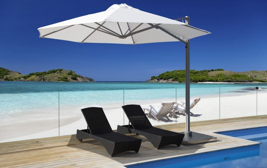 Why We Love Cantilever Umbrellas (And You Should, Too!)
